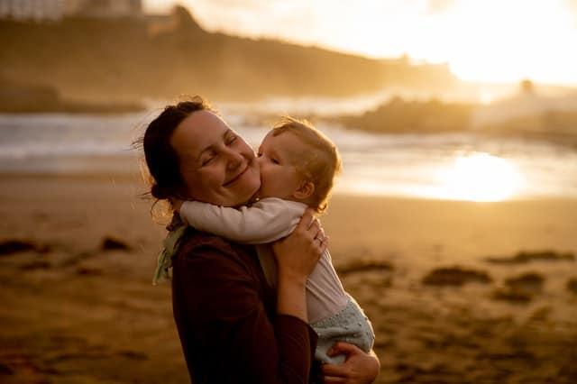 moeder met baby - marketing - Het Schrijfpaleis